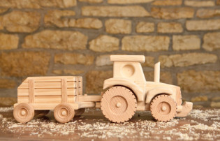 Farm Tractor & Wagon by Kringle Workshops