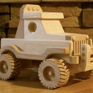 Off Road Jeep by Kringle Workshops